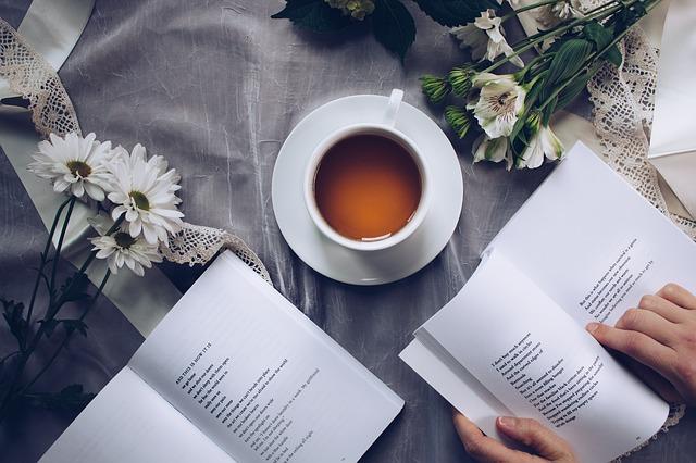 英語テキストとコーヒー